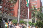 Chairman, SAIL hoisting the national flag