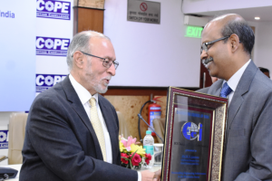 Gowtama M V, Chairman & Managing Director, Bharat Electronics Ltd (BEL), receiving the Distinguished Engineer Award instituted by the Engineering Council of India, from Mr Anil Baijal, retired IAS officer and the 21st Lieutenant Governor of Delhi, at a ceremony held in New Delhi.