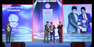 Sanjay Sethi, IAS, Chairman, JNPT receiving the award for JNPT- Best Port of the Year- Containerised at the 4th India Maritime Awards.